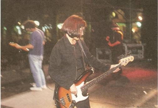 May fue bajista de Los Planetas.