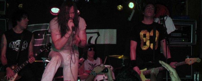 Marky Ramone, batería de los Ramones, junto a Andrew WK.