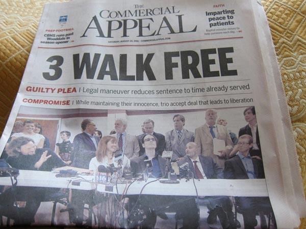 Portada con la noticia de la liberación de los 3 de West Memphis.
